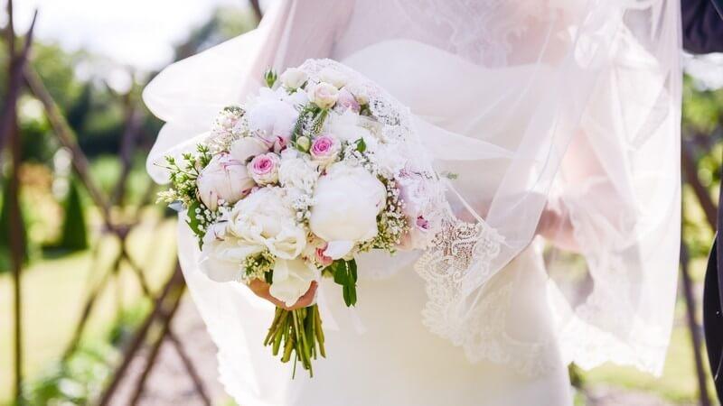 MonaLisa wedding planner tours 37 fleurs mariée bouquet