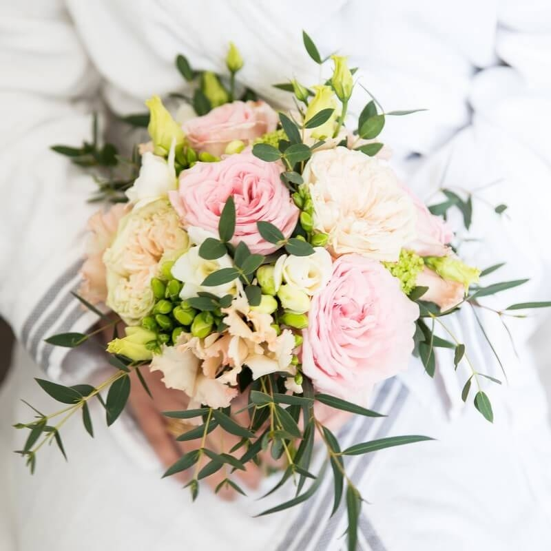 MonaLisa wedding planner tours 37 organisation mariage bouquet mariée roses couleurs pastel