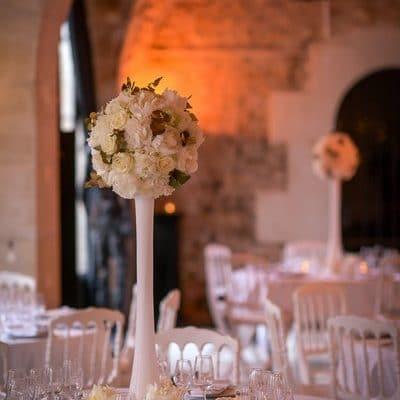 MonaLisa wedding planner tours 37 indre et loire mariage art hotel décoration table blanc et or fleurs chandelier