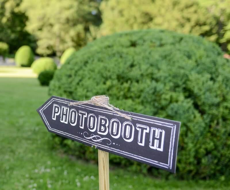 MonaLisa Wedding Planner Tours 37 mariages Château Loire Décoration photobooth panneau