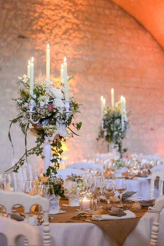 MonaLisa wedding planner tours 37 organisation mariage décoration tables chateau de la bourdaisière chandeliers blancs fleuris champêtre