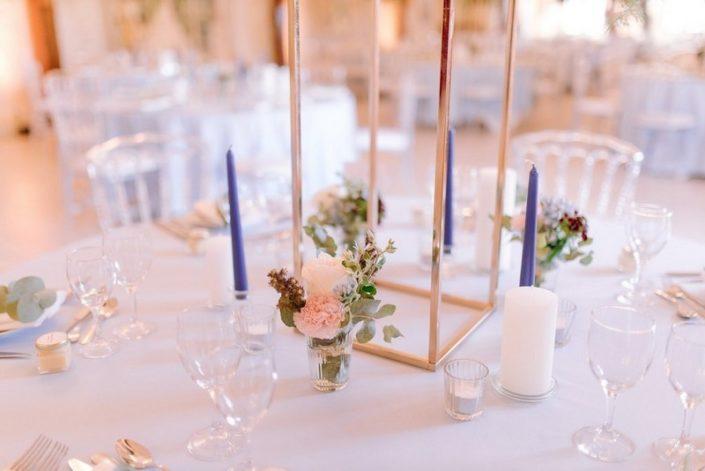 décoration table mariage jallanges fleurs nappe bleu eucalyptus